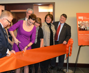 BA1_CarterHospiceRibbonCutting_1_26_15_008