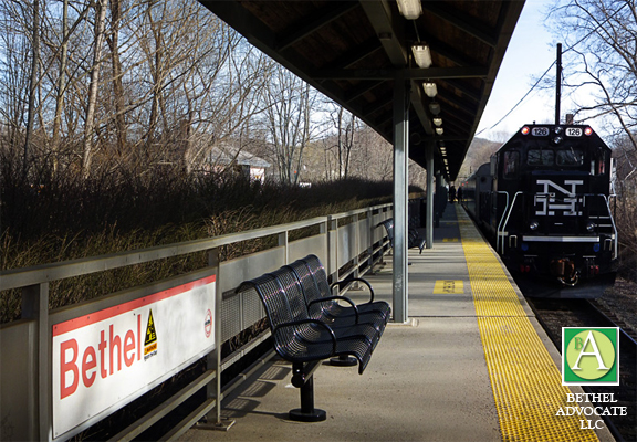 How do you find special holiday schedules for the Connecticut Metro North routes?