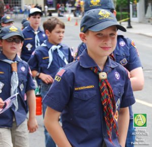 BA145_0355cubscoutsclose