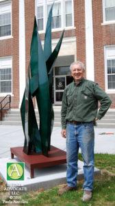 BA3_StevenBrookswithsculpture0354